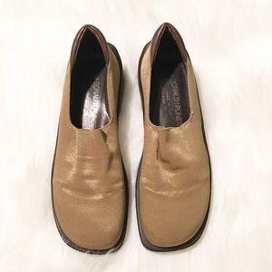 Donald J Pliner gold stretchy slip on shoes 6 M